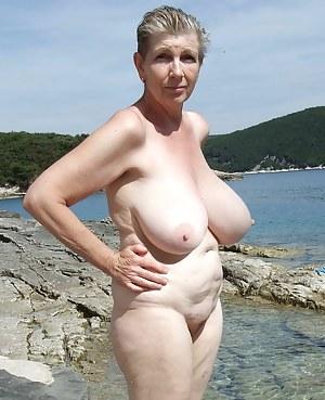 Big Boobs Beach Porn Pictures